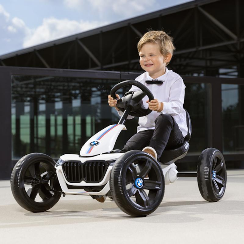 δείτε παιδικά αυτοκίνητα με πετάλια πεντάλ όπως το Berg Reppy Bmw